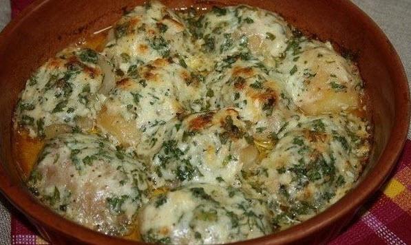 Картошка запеченная в чесночном масле фото