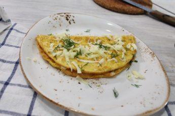 Яичница с сыром и перцем